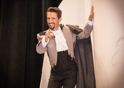 Aaron Blake as Count Almaviva
